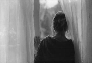 Viaţa printr-un geam de sticlã