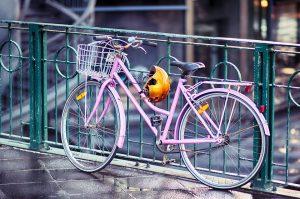Îți cumperi prima bicicletă de oraș? Iată la ce să fii atent